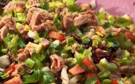 Tuna and vegetable salad by Rachael Ray (Tuna) @FoodNetwork_UK