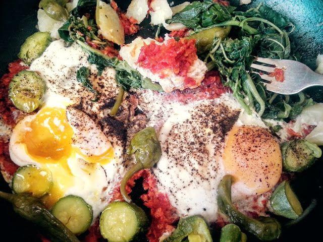 Συμπεθεριό με λαχανικά και αυγά στο τηγάνι!