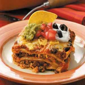 MEXICAN LASAGNA – 2 Variations using Beef: Sour Cream, Mexicans Lasagna, Ground Beef, Maine Dishes, Yummy Food, Mexican Lasagna, Lasagna Recipes, Ground Turkey, Daily Dishes