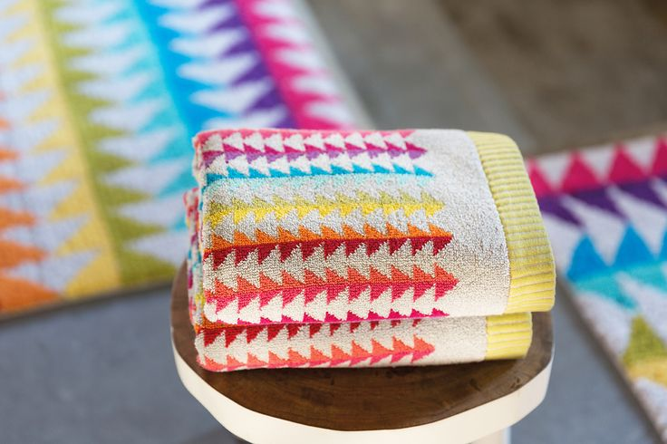 Block bath towels and bath rugs. Part of our energise bath concept: a magnetic and exuberant range of products that will fill your bathroom with vitality.