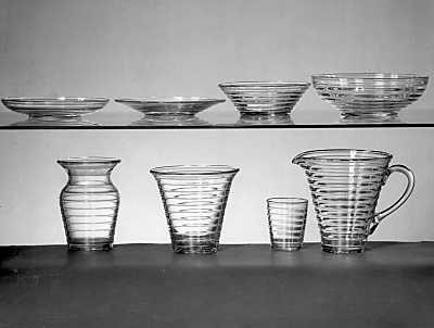 Aino Aalto -lasiastiasto, Design: Aino Aalto (1932), Karhula-Iittalan lasitehdas #lasiastiat #ainoaalto #iittala #lasimuotoilu #glassdesign #suomalinenmuotoilu #finnishdesign