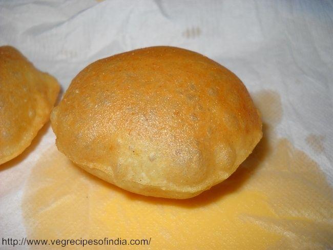 Pani Puri Recipe: 1 cup semolina (suji/rava) 2-3 tbsp maida (all purpose flour) 1/4 tsp baking soda salt oil for frying water to knead the dough