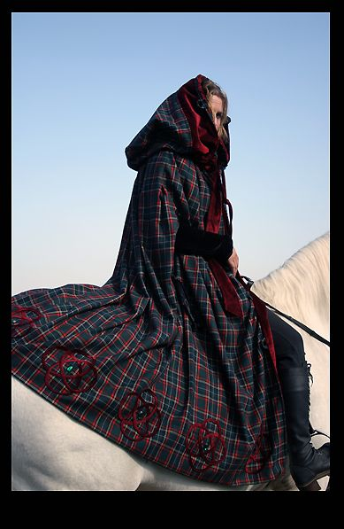Tartan cloak / hooded cape
