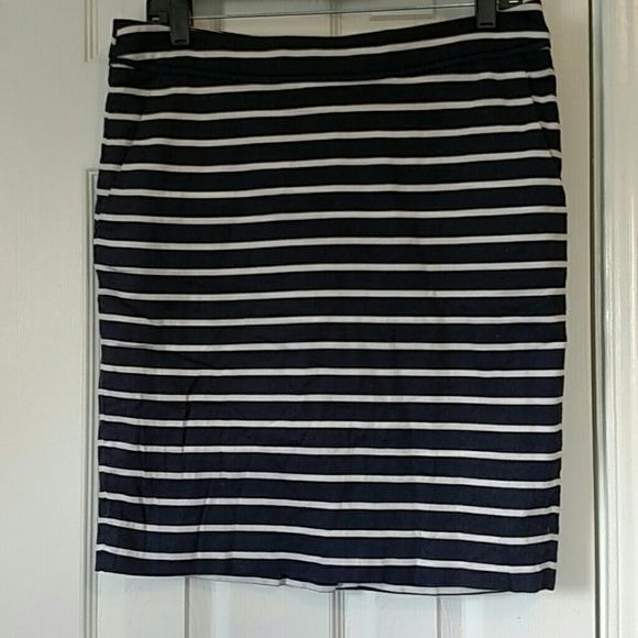 Navy and white striped pencil skirt Navy and white striped pencil skirt with pockets!  Perfect for work in the spring/summer The Limited Skirts Pencil