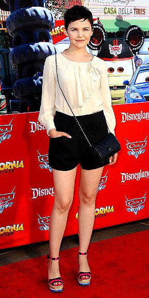 Idea for the black shorts I have. And I have a bag like that! Score!    GINNIFER GOODWIN photo | Ginnifer Goodwin