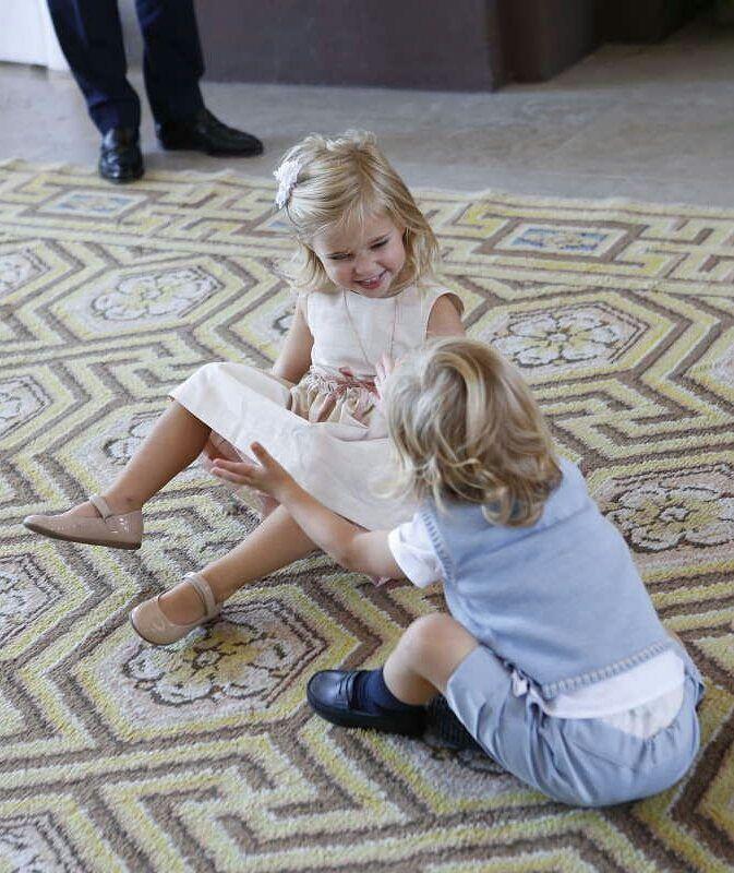 Funny children#princessleonore #princenicolas #princessmadeleine  #swedishroyalfamily #chrisoneill #sweden #stockholm #drottningholm #lovely #likealways #likeback #megustapormegusta