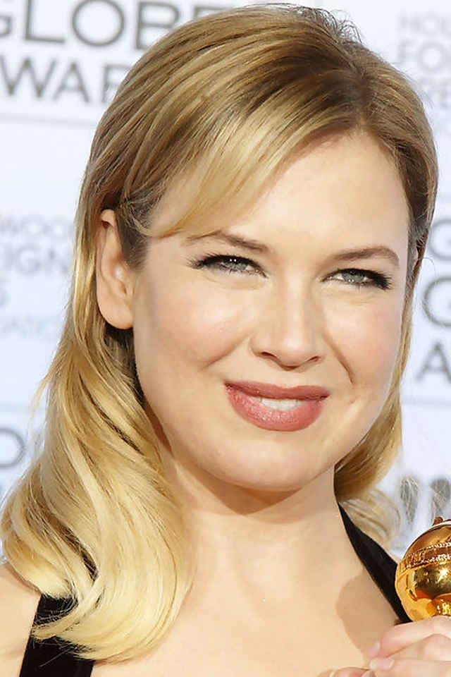 Renee Zellweger, Golden Globes, 2004                                                                                                                                                                                 More