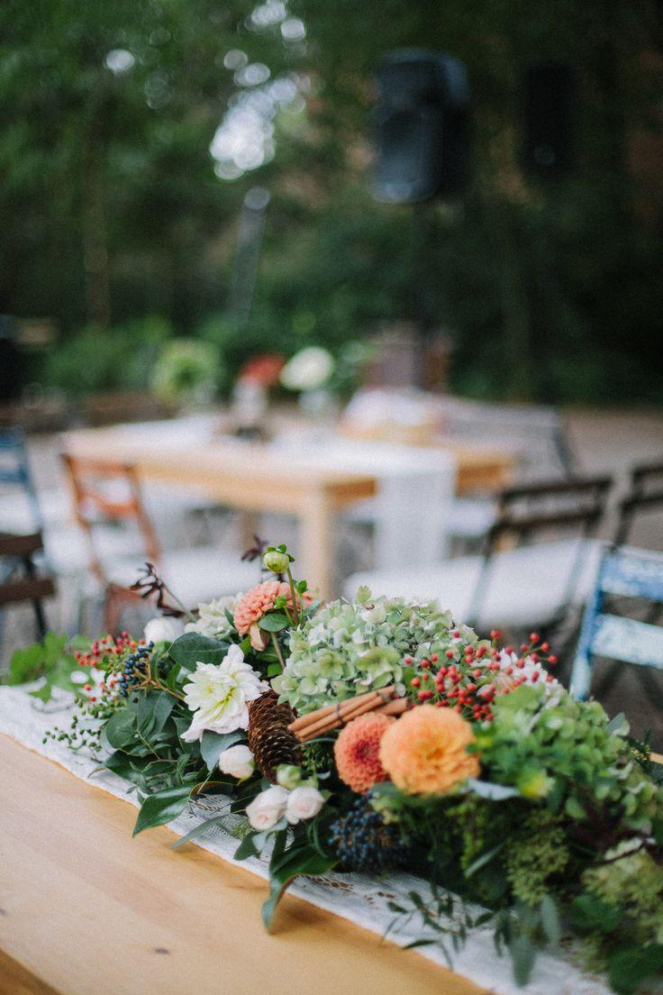 Las 25 mejores ideas sobre arreglos de hortensias en - Centros de mesa con pinas ...