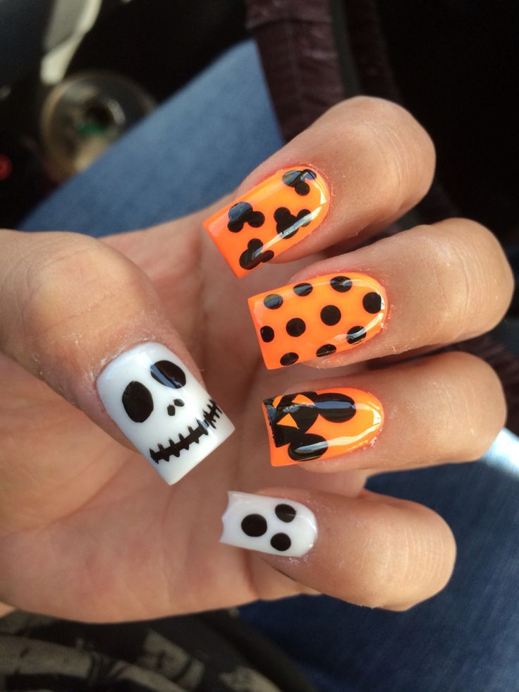 Halloween Disney nails #mickey #halloween #nails