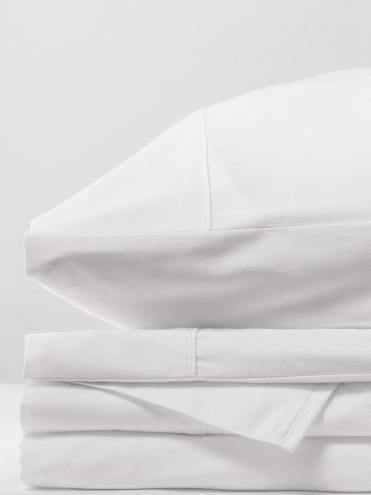 Organic 400 Thread Count Cotton Sateen Sheets That Won T Pill Innovative Touches Like Reverse Envelope Closure Pillowcases Ensure That Your In 2020 Luxury Sheets Sheet Sets Sateen Sheets