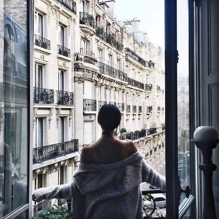 картинки в одеяле на балконе расчёска обычно