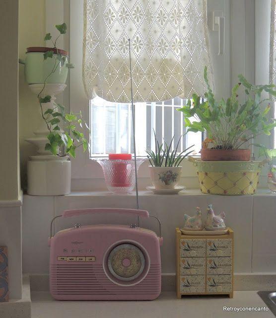 Nos apasiona la radio.... y más si es vintage. Valance Curtains, Decoupage, Pots, Diy, Home Decor, Retro Decorating, Home Plans, Interiors, Home