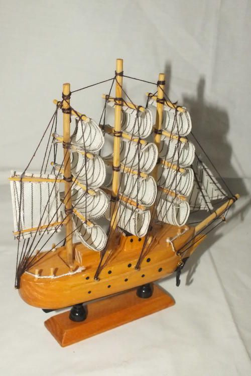 Maritime - Model Ship on stand Mayflower for sale in Nelspruit (ID:193140367)