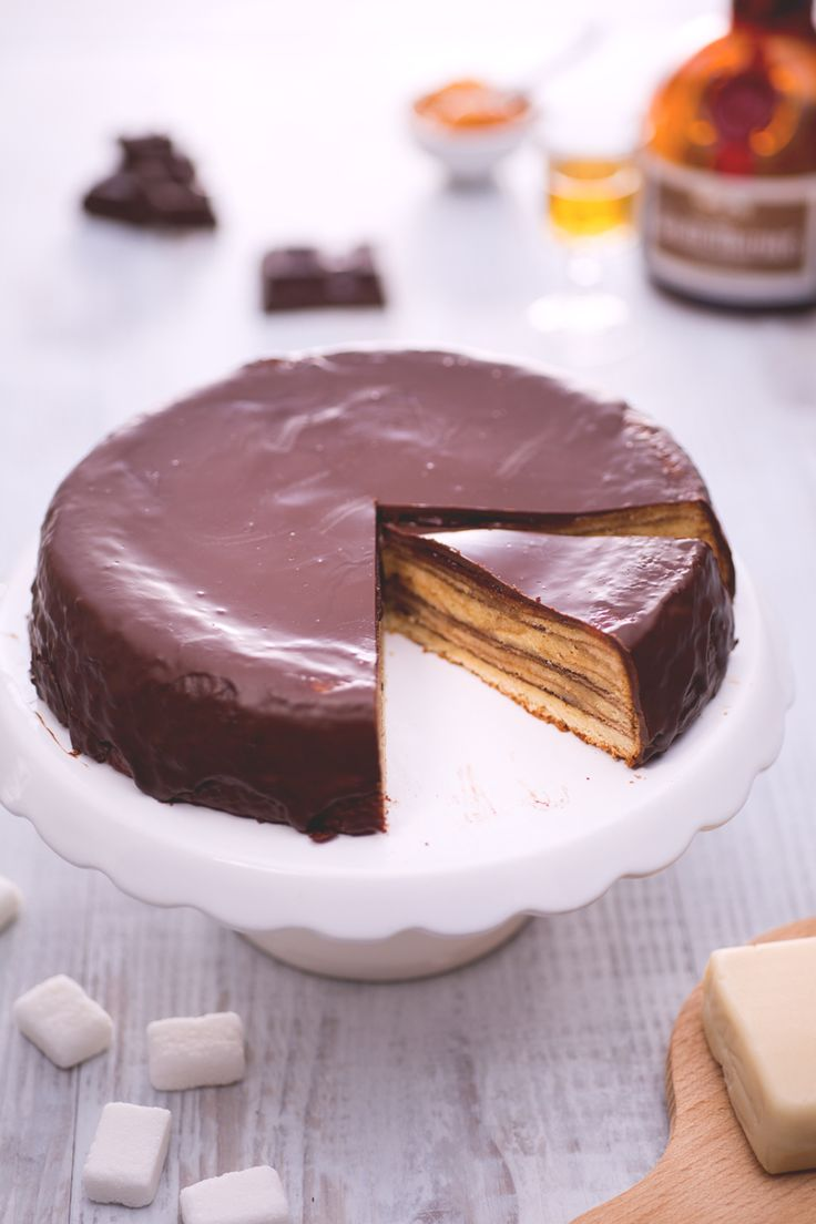 Un tipico dolce tedesco avvolto in una golosa copertura di #cioccolato che vi conquisterà strato dopo strato: #Baumkuchen! #Giallozafferano #cake #torta #recipe #ricetta #chocolate