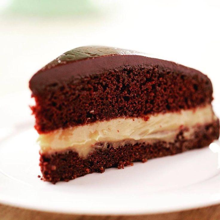 Bartlesville Cream Pie/Pioneer  Woman/Chocolate cake...salted caramelpudding...ganache... GOODNESS. http://www.foodnetwork.com/recipes/ree-drummond/bartlesville-cream-pie.html