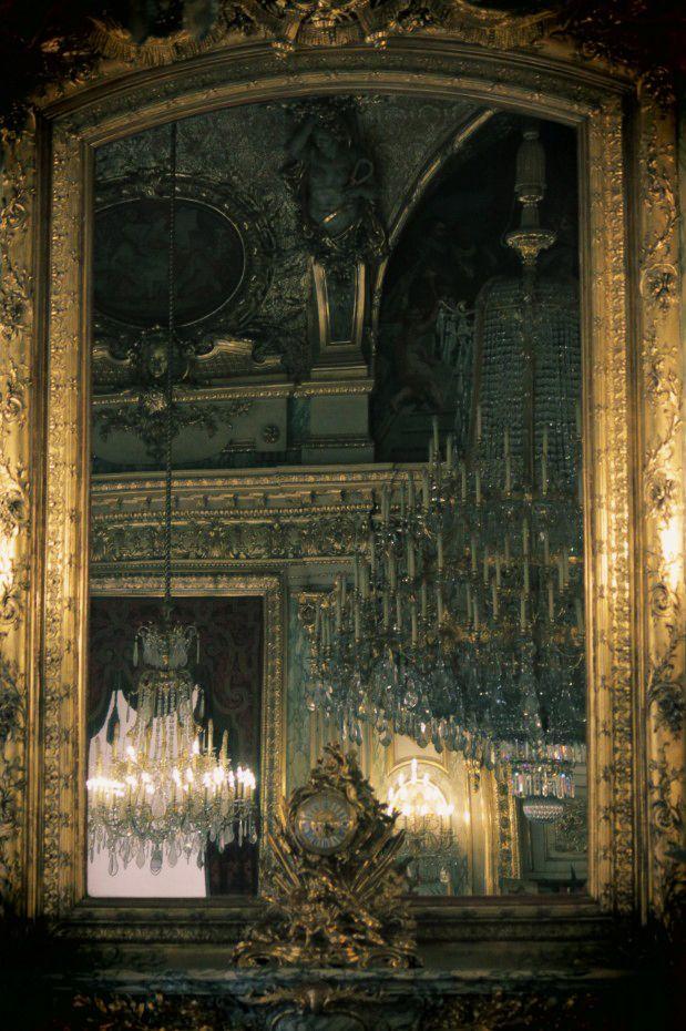 ...: Vintage Mirror, Dark Rooms, Mirror Mirror, Stones Wall, Castles Rooms, Haunted Mansions, Mirrormirror, Old Mirror, Dreams Coming True