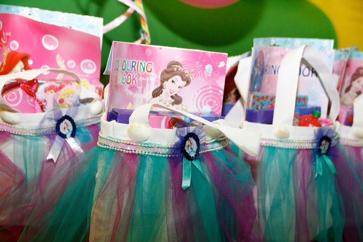 Girly gift bags for the little mermaid themed party