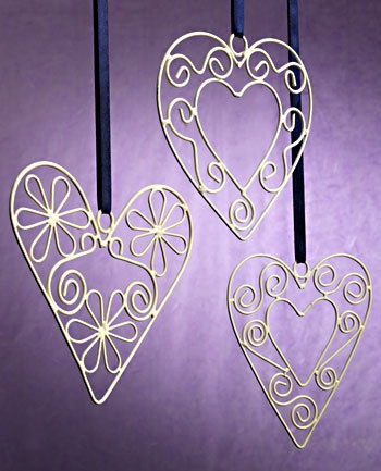 Wirework hanging hearts, assorted