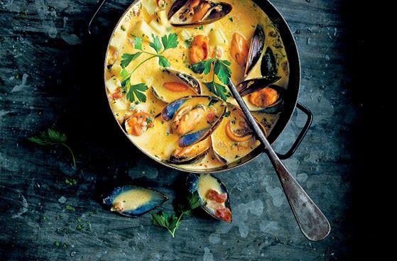 Món Mosselchowder nấu bằng bếp từ