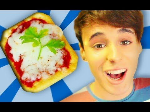 1 MINUTE MICROWAVE PIZZA - YouTube