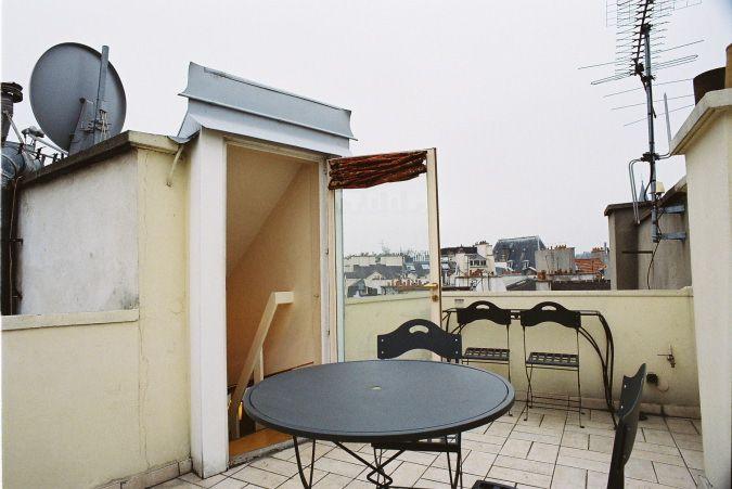 Private Terrace in eve Paris apartment