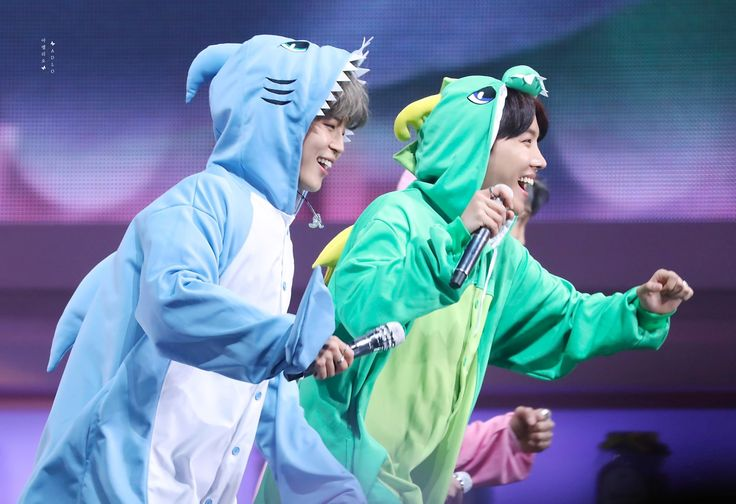 Awntt, que amor de foto ❤❤❤❤ || 180113 4th muster Happy Ever After #JIMIN #JHOPE ♡♡♡