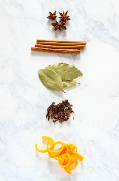 12 Simmering Potpourri Recipes Stove Top Potpourri, Simmering Potpourri, Potpourri Recipes, Fall Scents, Fall Season, Cleaning Hacks, Happy Holidays, Christmas Crafts, Goodies