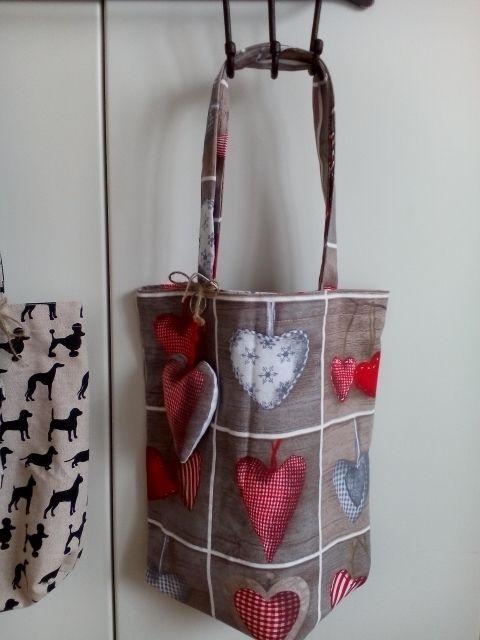 borsa in stoffa, cuori con portachiavi forma di cuore