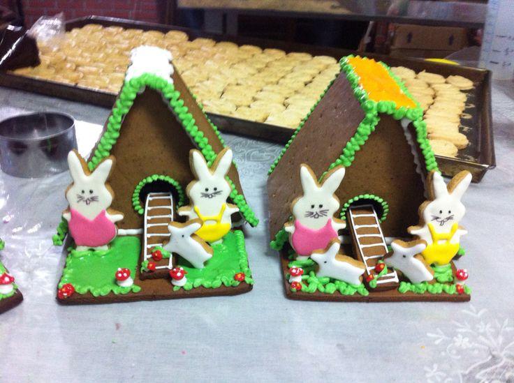 Toca do coelho biscoitos decorados by Vovi's Biscoiteria 51 35882457 www.facebook.com.br/vovisbiscoiteria