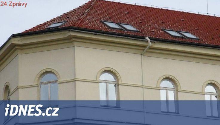 Z okna hotelu v centru Prahy vypadl mladý cizinec. Na místě zemřel