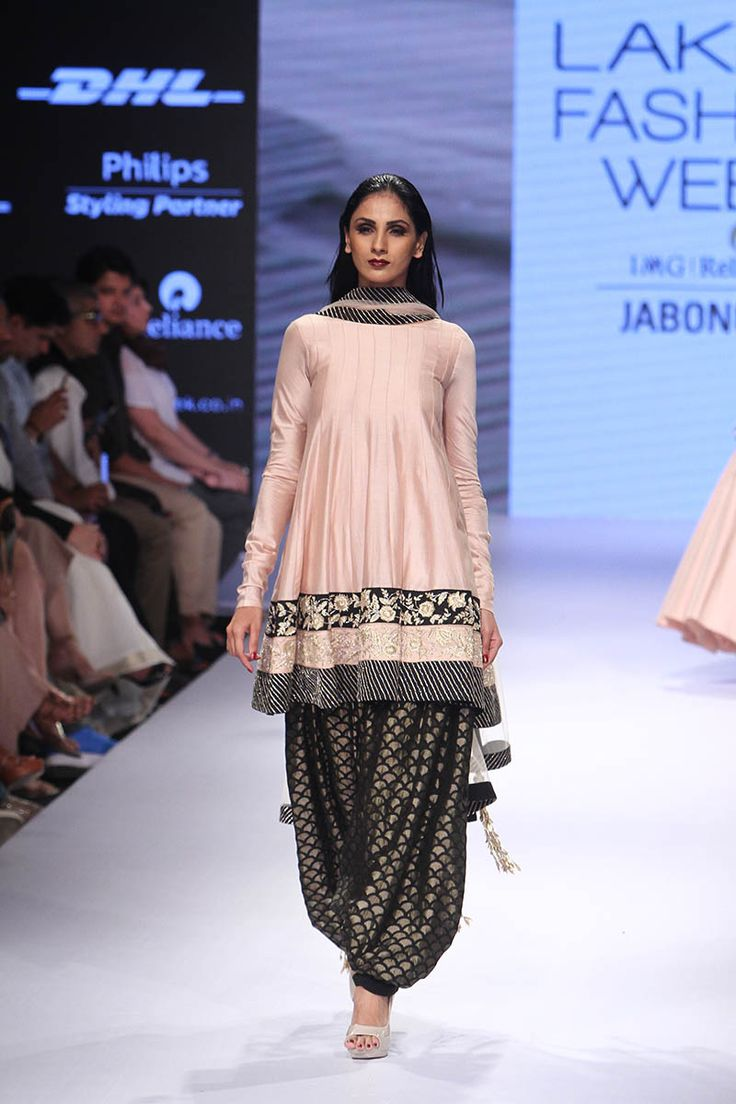 Payal Singhal. LFW F/W 15'. Indian Couture.