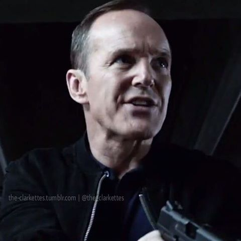 Badass Coulson is back. ° ° It's Saturday!! Feliz Sábado,  Clarkettes!!!  #clarkgregg #agentsofshield #sexy #suit #handsome #philcoulson #style #follow #directorcoulson #fandom #instacool #elegant #instagood #fashion #serious #boss #coulsonlives #marvel #badass #newhand #kickass #sexylips