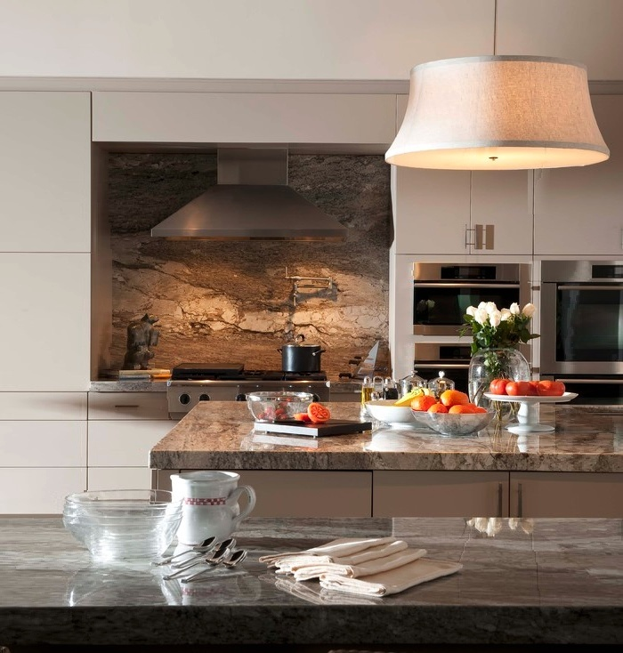 Marble Backsplash Modern Kitchen Chimney White Cabinets kvriver.com