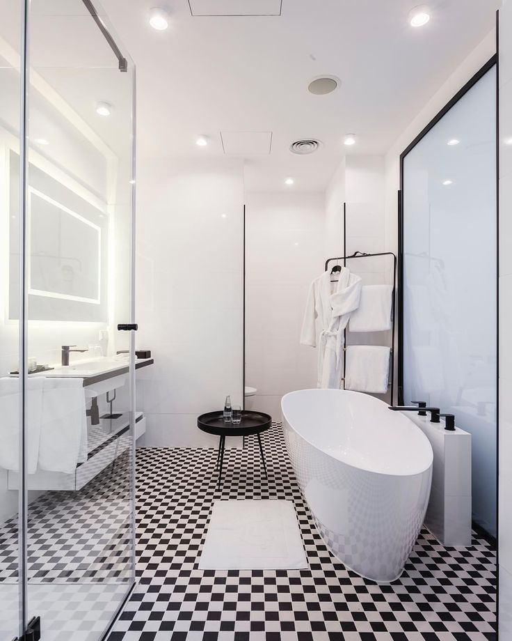 Bathroom in a New @hotelindigo.warsaw. #interiordesign by #2kulproject #interiorphotography by #piotrgesicki! #enjoylife #interiorarchitecture #luxurylife #luxurylifestyle #newhotel #hoteldesign #instadaily