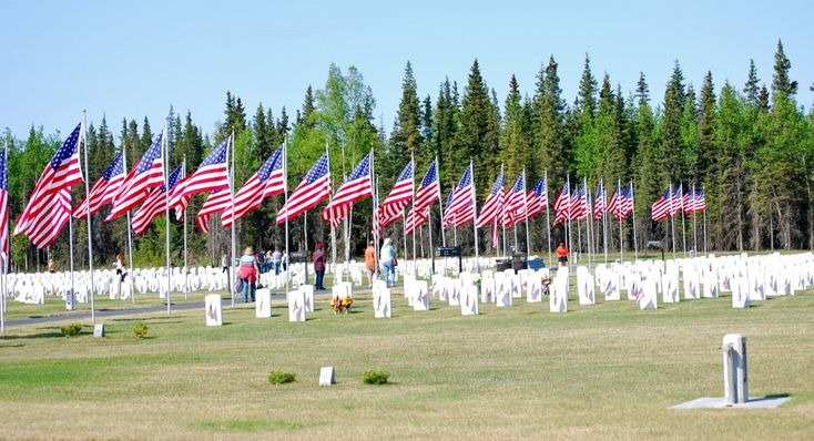 Attend the offical Memorial Day service at Anchorage's Fort Richardson National Cemetery. AKontheGO.com