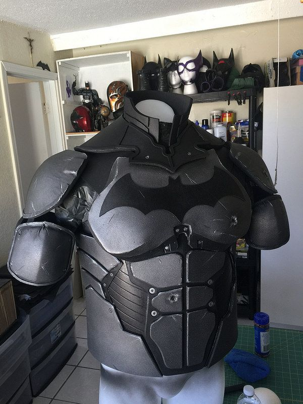 Best 25 batman cosplay ideas on pinterest batman for Deathstroke armor template