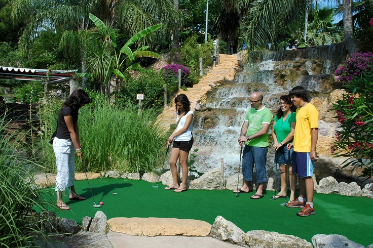 Enjoy a wonderful day in Golf Fantasia. A Mini Golf Campus in a recreated tropical environment. A great place to spend time and have fun with the entire Family!