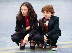 Carmen Cortez (Alexa Vega) and Juni Cortez (Daryl Sabara) in Spy Kids