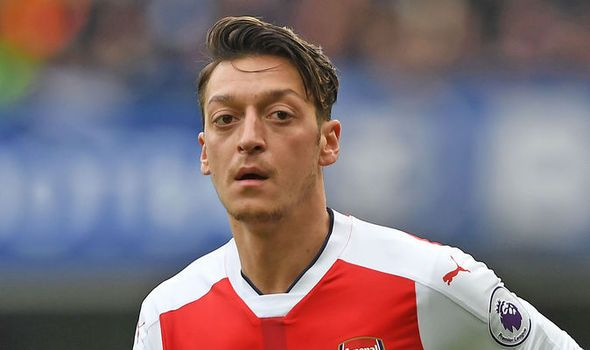 Michael Ballack: I think Arsenal star Mesut Ozil might join Bayern Munich   via Arsenal FC - Latest news gossip and videos http://ift.tt/2kmi7yY  Arsenal FC - Latest news gossip and videos IFTTT