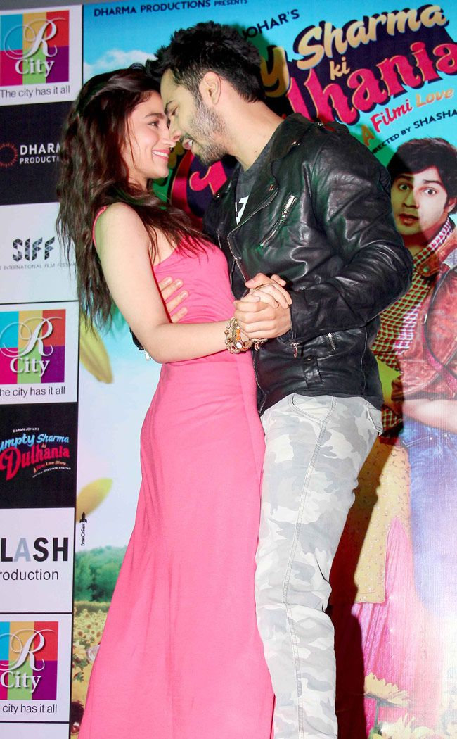 Varun Dhawan and Alia Bhatt promoting Humpty Sharma Ki Dulhaniya in Mumbai.