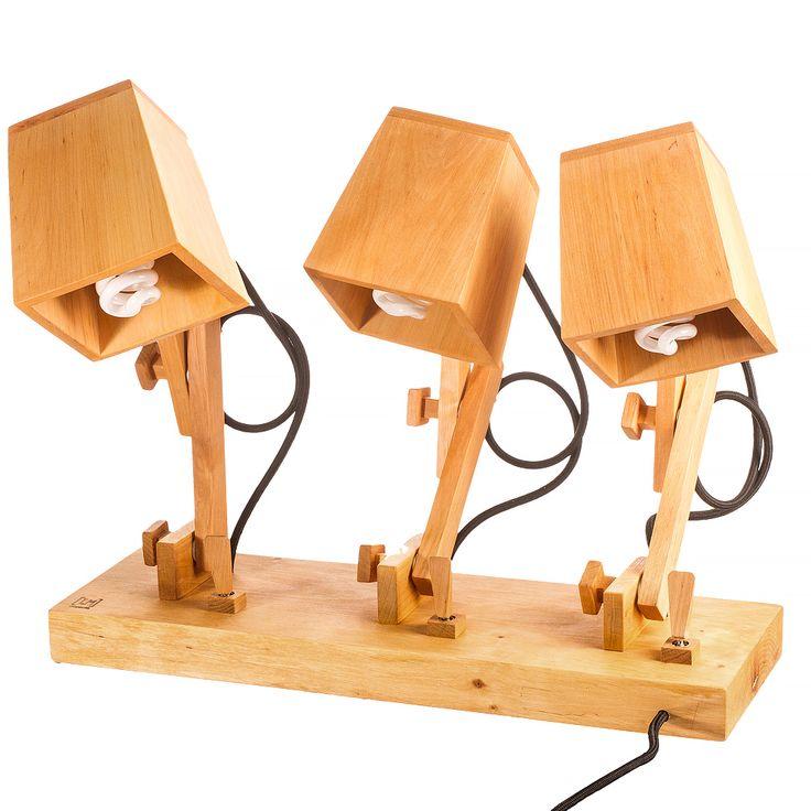 Модель: TL4 Цена: 5700 грн Модель TL4 является продолжением линейки настольных светильников. Создана на базе модели TL3 c единственным отличием, что в ней три источника света.  Каждый можно включать по отдельности. Отлично подойдет как рабочая лампа на стол ювелира поскольку можно осветить рабочую зону сразу с трех ракурсов.