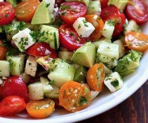 Deliciosa ensalada para deshinchar el vientre y bajar de peso.