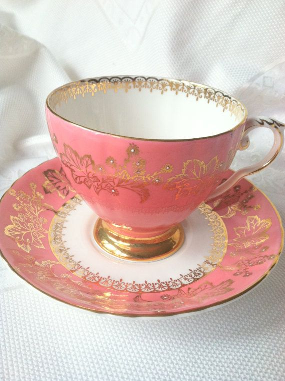 dating royal grafton china Due to the fact that you are using the name grafton china and not 'royal  grafton' suggests the tea set is dated before 1949, and therefore older and more .