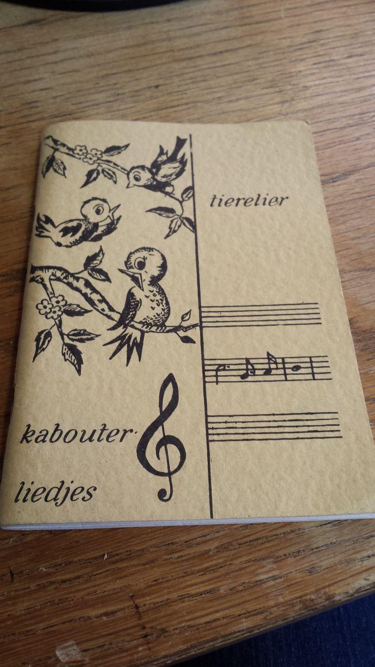 Uit dit liedboekje zongen we liedjes bij de kabouters van Scouting Nederland. (of toen de padvinderij)