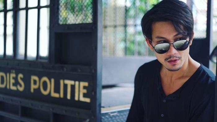 Foto Denny Sumargo - Pose Pegang Pancing, Malah Hati Netizen Yang Kepancing