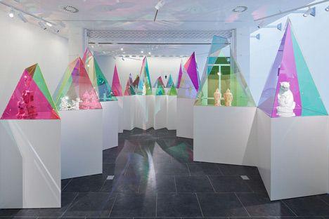 Display em Acrílico Colorido para Meissen por SO-IL