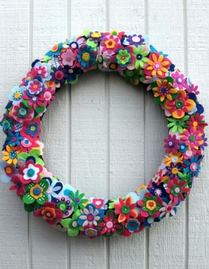 "Felt and Fabric Flower Wreath | 18"".....more and more felt f… 