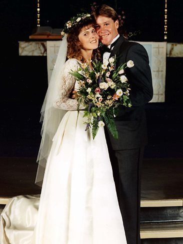 June 4, 1992 Wedding:  Australian wildlife expert and TV personality Steve Irwin (The Crocodile Hunter) and American naturalist Terri Raines were married until his untimely death in 2006, at the age of 44.  They have two children.