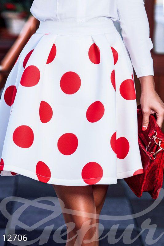 Белая юбка полусолнце в красный горох