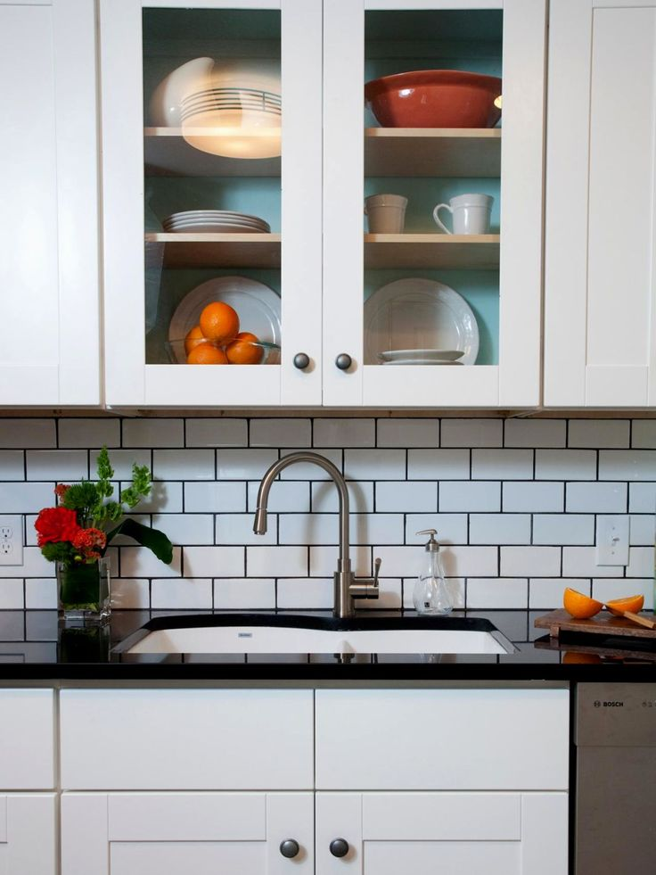 The best Kitchen Backsplash Designs With Subway Tile from http://kitchentile.info/kitchen-backsplash-designs-with-subway-tile/. Don't forget to pin the picture if you love it. Thank you.